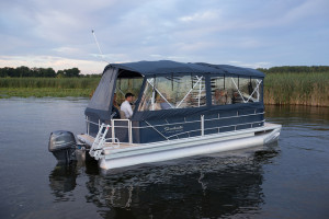 Sweetwater 22' pontoon boat for sale